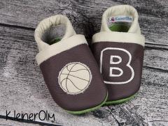 puschen_dunkelbraun_creme_basketball